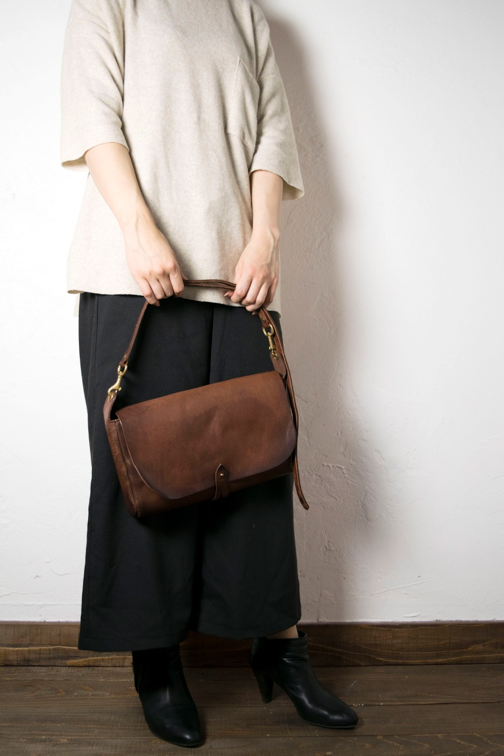 【20SS】レザー3WAYクラッチバッグ [キャメル] / LEATHER 3WAY CLUTCH BAG [CAMEL]