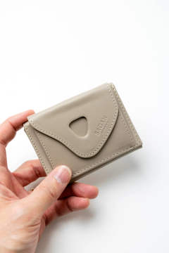 【19SS】WALLET TRIPTYCH [Beige taupe] / CLWN193