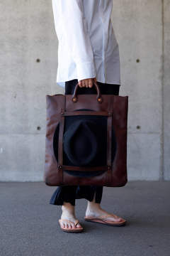 【20SS】レザーヘルメット2WAYバッグ [ブラウン] / LEATHER HELMET 2WAY BAG [BROWN]